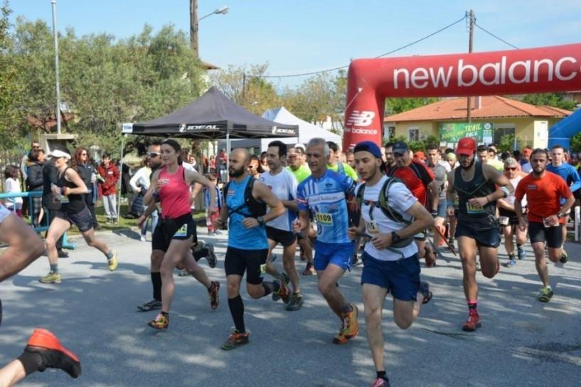 Στον 3ο αγώνα ορεινού τρεξίματος στον Σταυρό Χαλκιδικής Παρίζας, Καναράκης και Τζιώνας