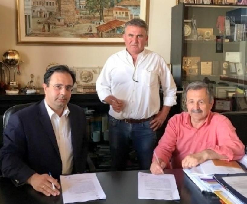 Συμβάσεις συντήρησης κοινόχρηστων χώρων και τοποθέτησης κιγκλιδωμάτων στον δήμο Βέροιας