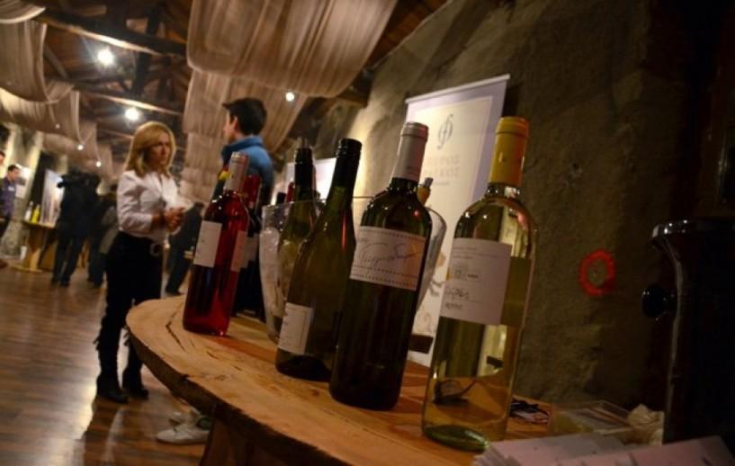 «Ξινίζει» η κατάργηση του ειδικού φόρου στο κρασί. Κυβέρνηση: «Δεν συμφωνούν οι δανειστές»