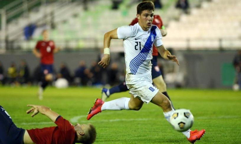 Γιώργος Κούτσιας: Ο ποιο μικρός παίκτης στην Εθνική Ελπίδων.!! με λαμπρό μέλλον