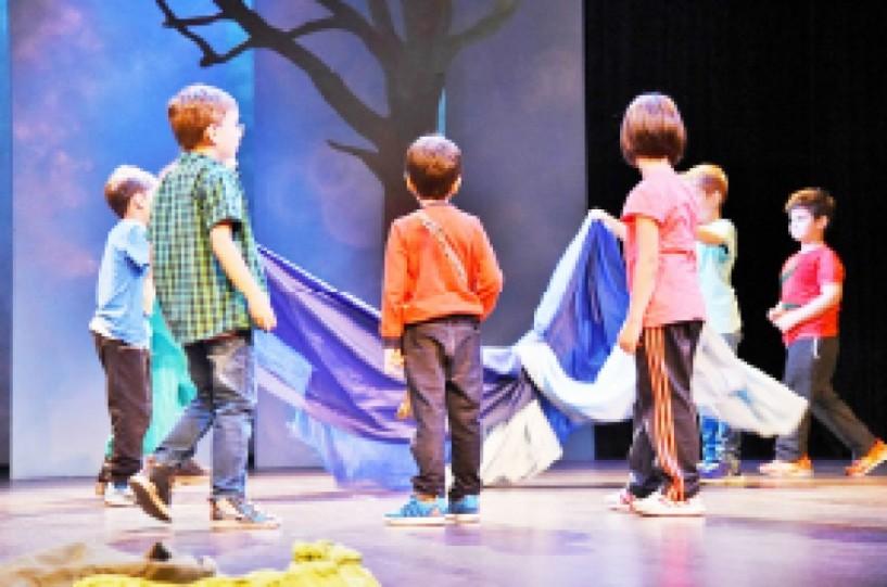 Τα παιδιά και η ευεργετική τέχνη του θεάτρου
