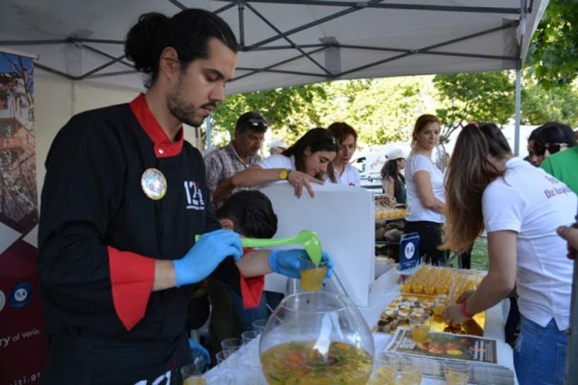 Γευστικές πινελιές ροδάκινου στη γιορτή γαστρονομίας του ΤΟΒ