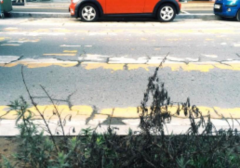Στην πόλη που φημίζεται για το σεβασμό των οδηγών στους πεζούς, οι διαβάσεις παραμένουν για πολλούς μήνες ξεθωριασμένες έως σβησμένες