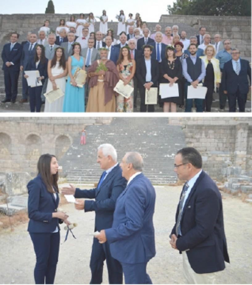H αναπαράσταση του όρκου του Ιπποκράτη σε τελετή του Πανελληνίου Ιατρικού Συλλόγου