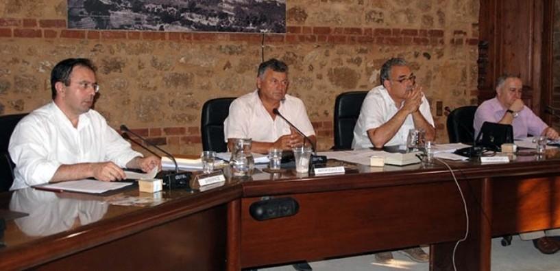 Μικρά καθημερινά προβλήματα και σοβαρά θέματα του Δήμου στο δημοτικό συμβούλιο Βέροιας