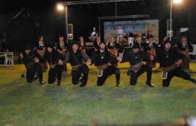 Με ποντιακές βραδιές ξεκίνησαν οι εκδηλώσεις του «Ευστάθιου Χωραφά», στο γήπεδο της Πατρίδας