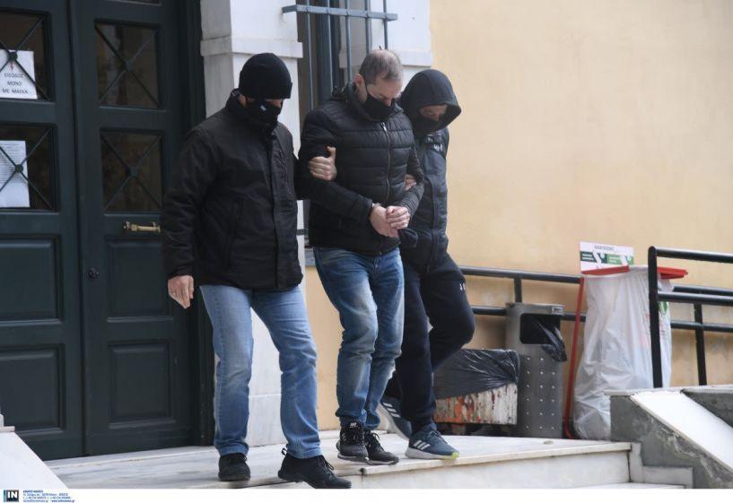 Καταπέλτης το ένταλμα σύλληψης για τον Δημήτρη Λιγνάδη: «Εγκληματική ροπή επί πολλά έτη»