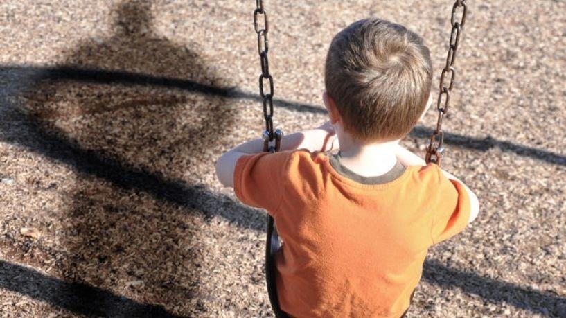 SOS: Όποιος γνωρίζει περίπτωση σεξουαλικής κακοποίησης ενός παιδιού, να το αναφέρει ανώνυμα…