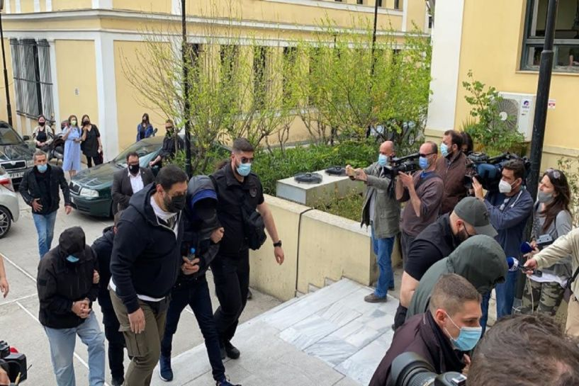 Στον εισαγγελέα ο Μένιος Φουρθιώτης με βαριές κατηγορίες εναντίον του (εικόνες, βίντεο)