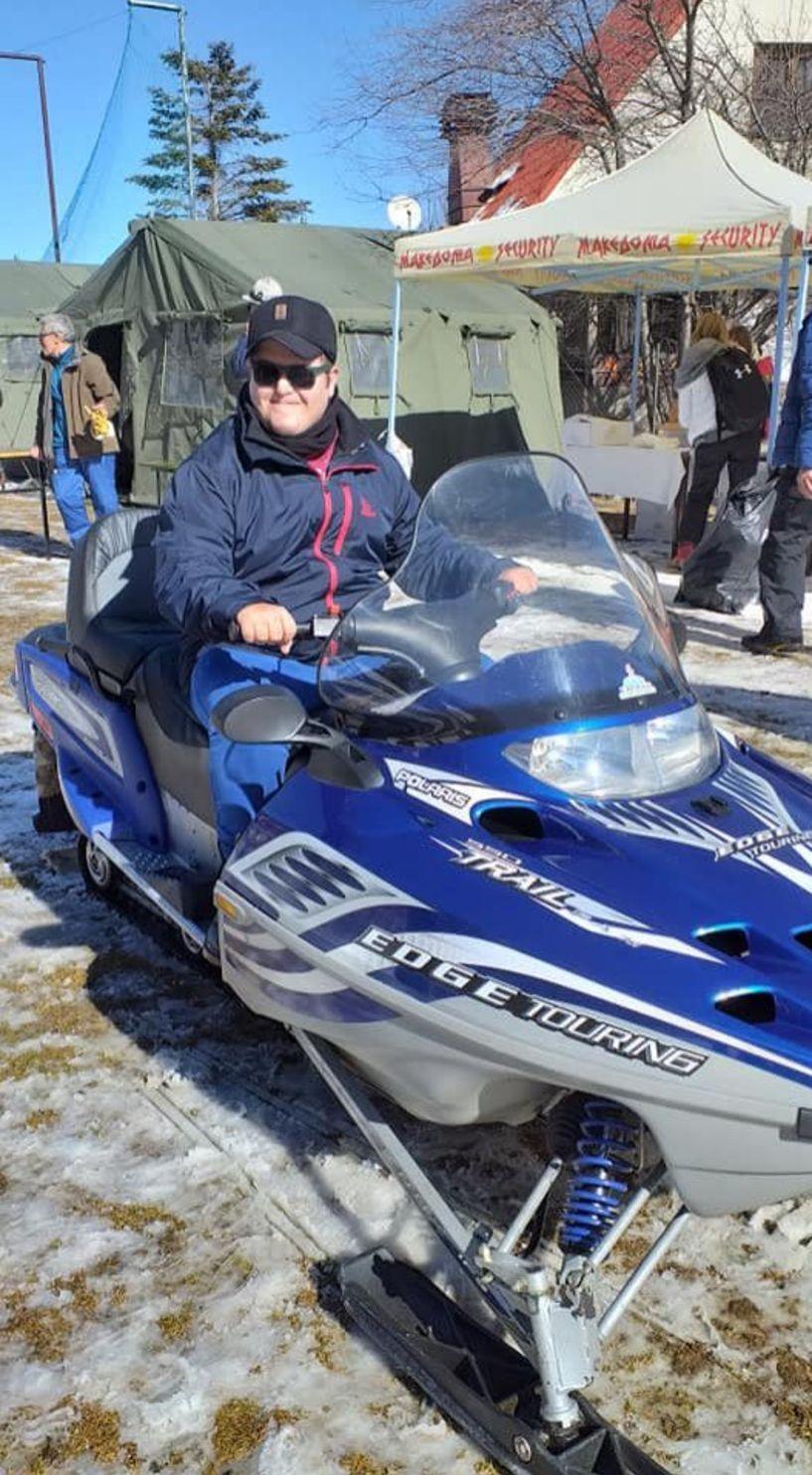 Γνωριμία των ΑμεΑ με το χιόνι και την χιονοδρομία στο Χιονοδρομικό Κέντρο «3-5 Πηγάδια» Νάουσας