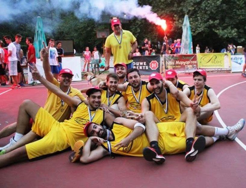 Πλησιάζει η μεγάλη στιγμή για τον φιλανθρωπικό αγώνα basket μεταξύ των Φίλων Σκουλαριώτη και της Ζαφειράκης ρετρό All Stars.