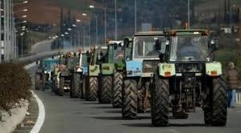 Ποδαρικό στο νέο χρόνο με κινητοποιήσεις ετοιμάζουν οι αγρότες