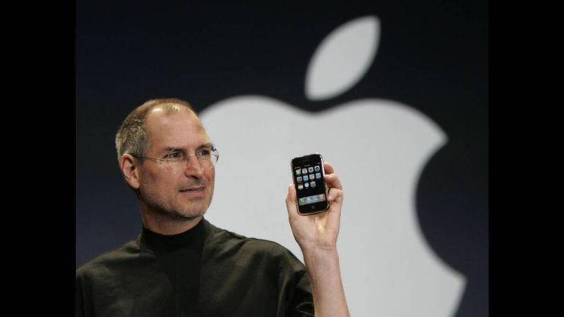Σαν σήμερα: 9 Ιανουαρίου 2007 - Ο Στιβ Τζομπς παρουσιάζει το πρώτο iPhone