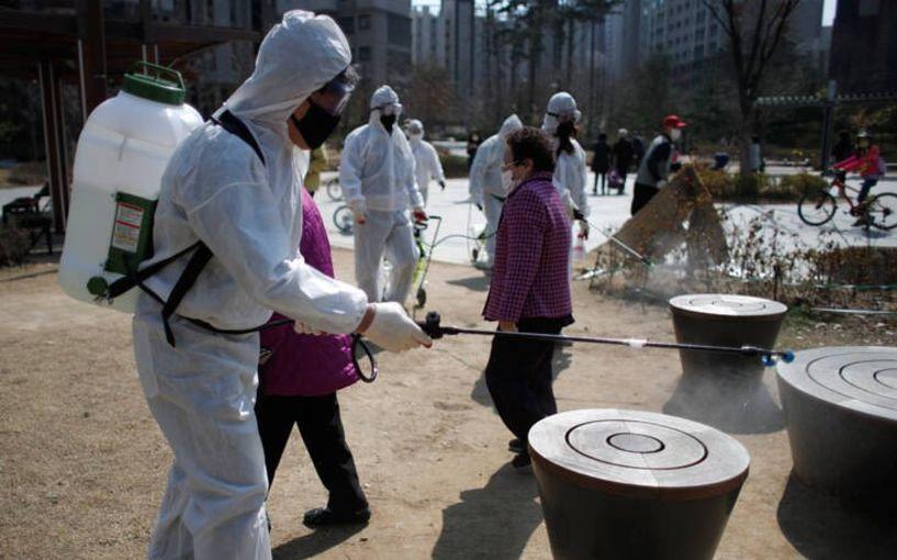 Πώς η Νότια Κορέα ισοπεδώνει την επιδημία χωρίς λουκέτο στην οικονομία