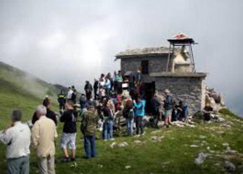 Ο Ε.Ο.Σ. ΝΑΟΥΣΑΣ στην κορυφή Άγιο Πνεύμα του Βερμίου τη Δευτέρα ... του Αγίου Πνεύματος!