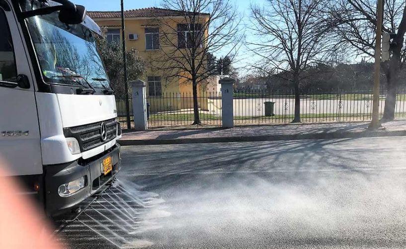 Με αντισηπτικό υγρό θα καθαρίσει τους δρόμους ο Δήμος Νάουσας - Το πρόγραμμα σε κάθε περιοχή