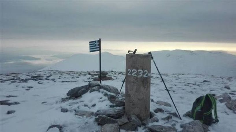 Άσπρισαν οι κορυφές των βουνών στη Μακεδονία λόγω του «Γηρυόνη» - Σε ποια χιονοδρομικά χιόνισε και το έστρωσε