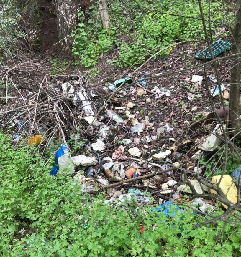 Τόσα σκουπίδια, πως τα αντέχει η ομορφιά της φύσης  πέριξ της Βέροιας; (φωτο)