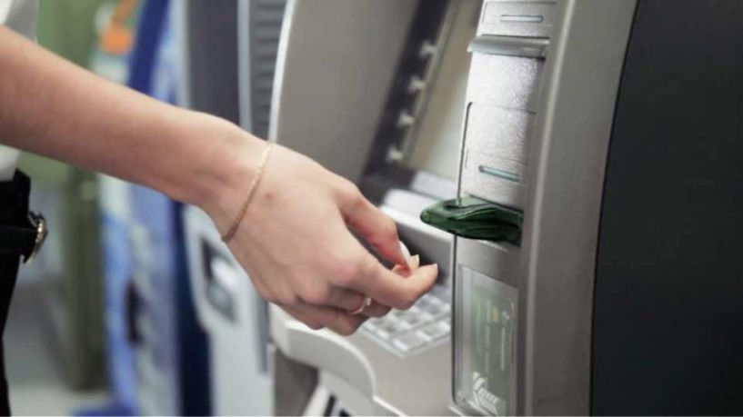 Νέες χρεώσεις από τις Τράπεζες ακόμα και για συναλλαγές που μέχρι σήμερα παρέχονταν δωρεάν