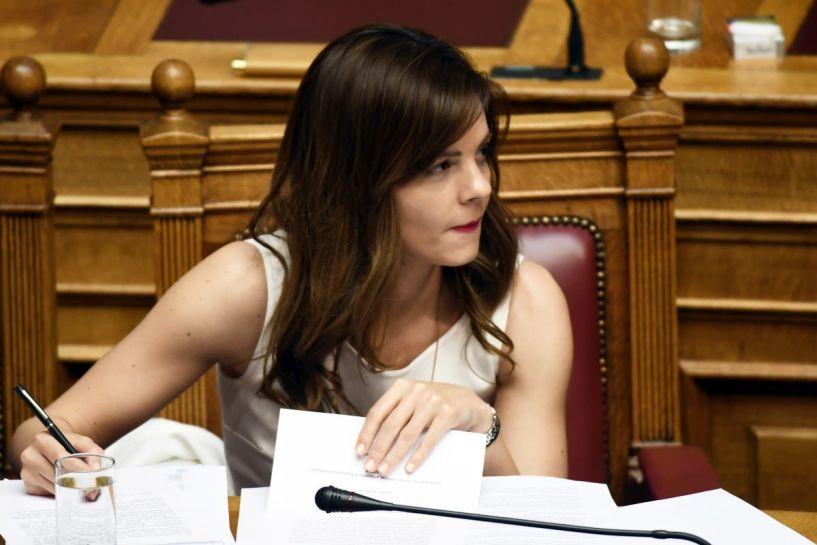 Εφάπαξ επίδομα «νεανικής αλληλεγγύης» σε κάθε άνεργο ηλικίας από 18 έως 24 ετών, ύψους 400 ευρώ