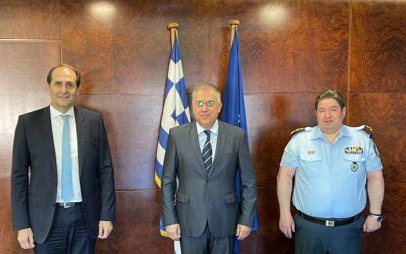 Ίδρυση τμήματος Τροχαίας Αυτοκινητοδρόμων και νέο αστυνομικό μέγαρο στη συνάντηση Βεσυρόπουλου, Θεοδωρικάκου και Καραμαλάκη