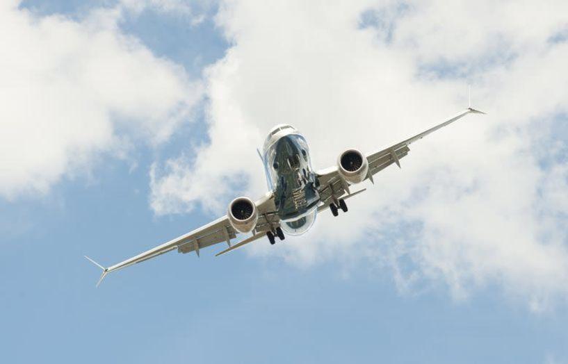 Boeing 737 προχώρησε σε αναγκαστική προσγείωση στη Μόσχα