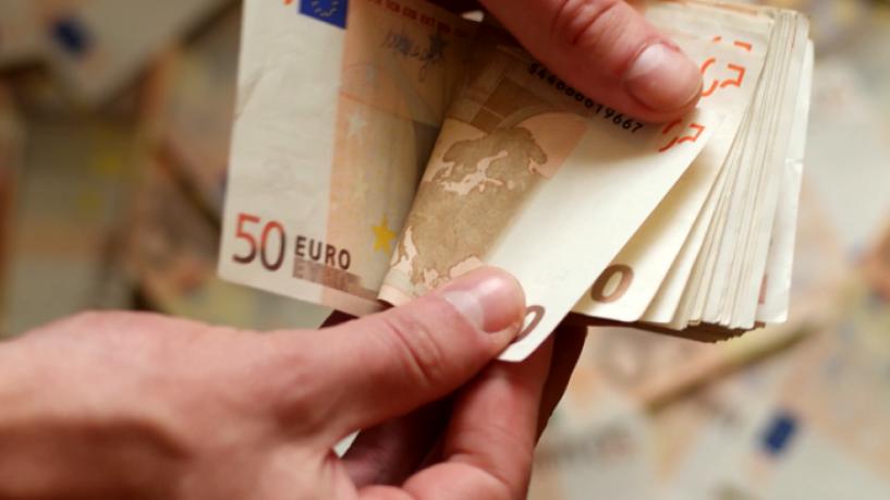 Ποιοι θα αναγκαστούν να επιστρέψουν πίσω το έκτακτο επίδομα των 800 ευρώ;