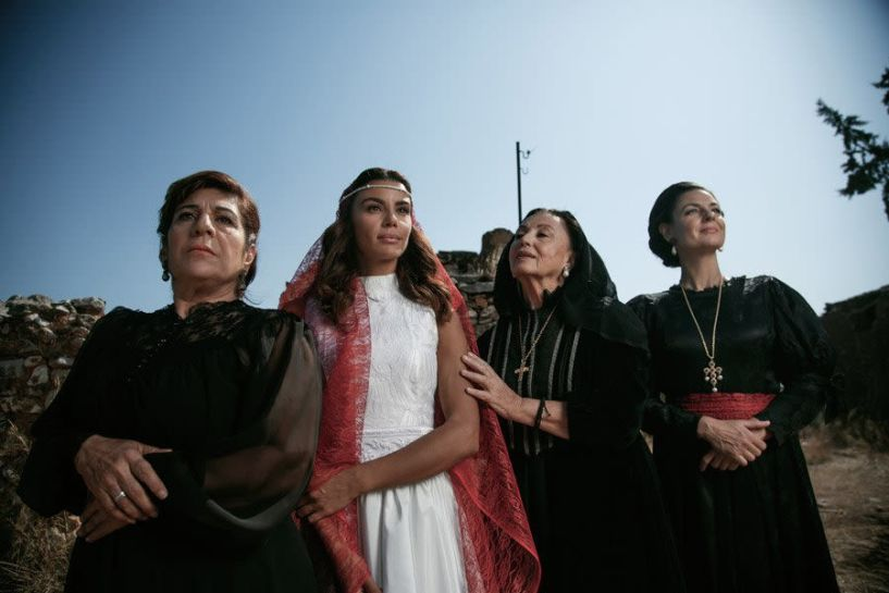 Η παράσταση «Oμμάτια δακρωμένα  - Ένα γράμμα για την Τραπεζούντα» στο Δημοτικό θέατρο Νάουσας