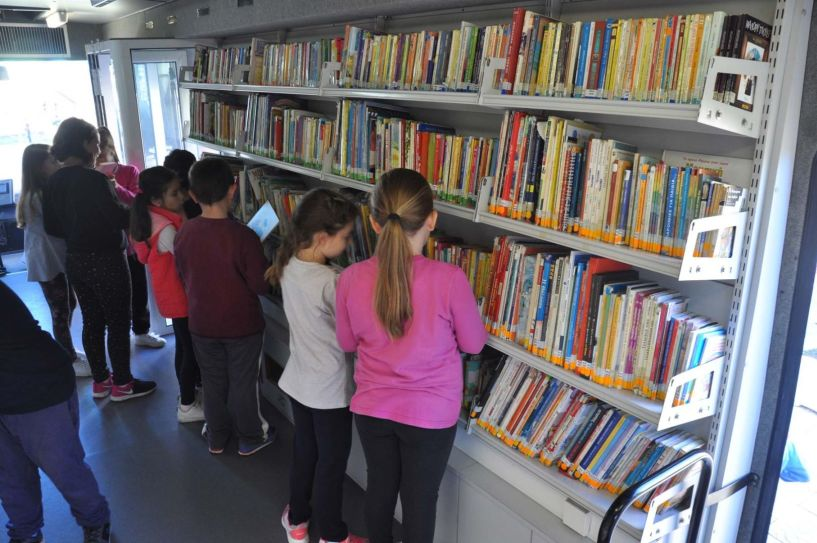 Η Κινητή Βιβλιοθήκη Βέροιας ξανά κοντά στους μαθητές με νέα δανειστικά κέντρα! - Το πρόγραμμα του Οκτωβρίου