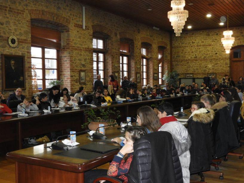 Δημοτικό Συμβούλιο Παίδων:  Μίλησαν ως αυριανοί πολίτες για τα καλώς-κακώς κείμενα της Βέροιας και των χωριών (φωτο)
