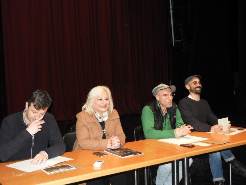 Ιστορίες ανθρώπων της πόλης και του κάμπου με τις ανθισμένες ροδακινές, στην Σκηνή του ΔΗΠΕΘΕ Βέροιας  --Πρεμιέρα την Παρασκευή 28 Φεβρουαρίου στο Χώρο Τεχνών