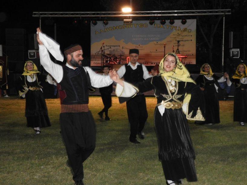 Συνεχίζονται δυναμικά οι ποντιακές, δημοτικές και λαϊκές βραδιές στο γήπεδο της Πατρίδας