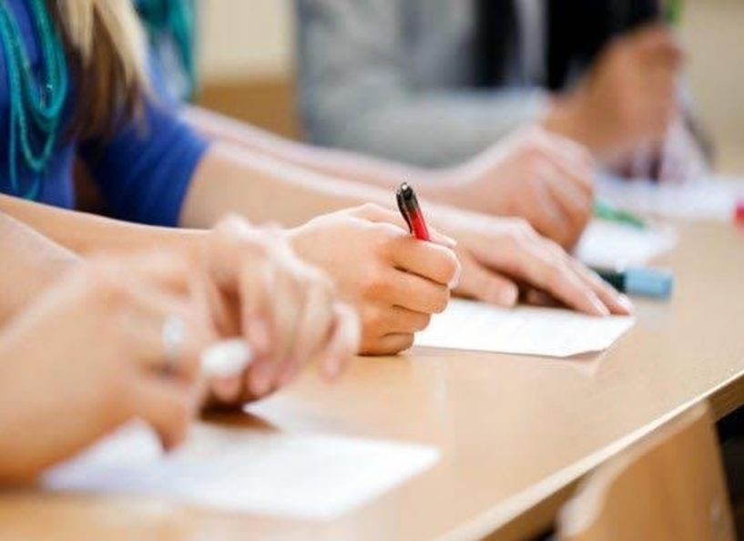 Υπ. Παιδείας : «Πράσινο φως» για τη διεξαγωγή εξετάσεων – Τι προβλέπει η νέα ΚΥΑ