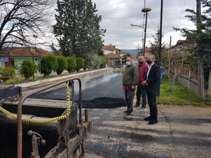 Διανοίξεις δρόμων και ασφαλτοστρώσεις από τη Διεύθυνση Τεχνικών Υπηρεσιών Δήμου Βέροιας (Εικόνες)