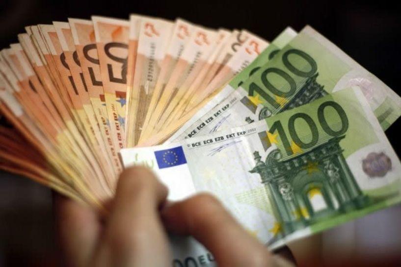 Φόρο εισοδήματος και ΦΠΑ επιστρέφει η ΑΑΔΕ– Ποιοι θα λάβουν τις επιστροφές