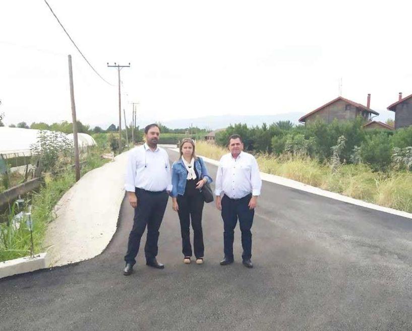 Ολοκληρώθηκαν οι εργασίες ασφαλτόστρωσης  αγροτικών δρόμων στο Δήμο Βέροιας
