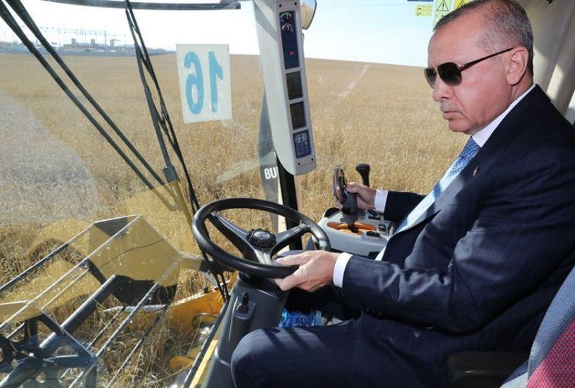 Ο Ερντογάν τώρα και… αγρότης