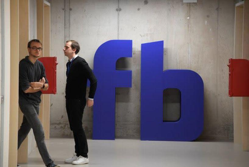 Πρώην στέλεχος του facebook: Κλείστε τα social media. Σας προγραμματίζουν