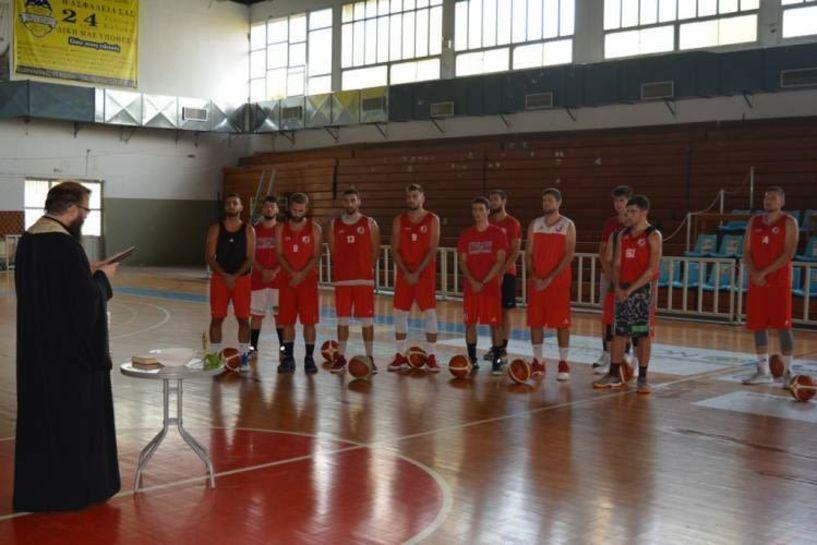 Έκανε τον καθιερωμένο αγιασμό η ομάδα μπάσκετ του Φιλίππου