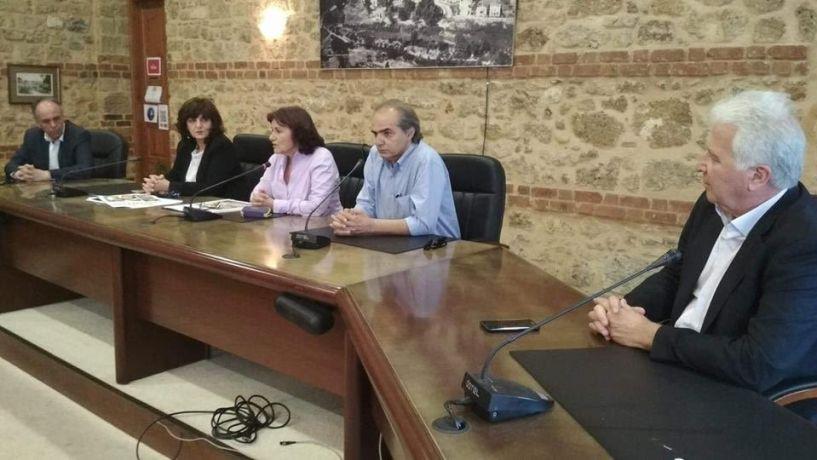Θ. Φωτίου: Όταν είναι έτοιμοι οι Δήμοι θα προχωρήσουν στην μετεγκατάσταση των Ρομά