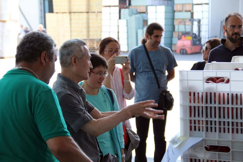 Κλιμάκιο Κινέζων γεωτεχνικών στον Αγροτικό Συνεταιρισμό Νέος Αλιάκμων