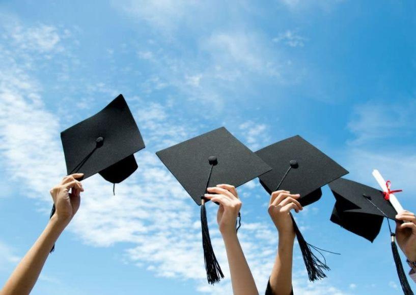 Eννιά υποτροφίες για σπουδές σε Κολλέγια, ΙΕΚ και Κέντρα Δια Βίου Μάθησης από την Περιφέρεια Κεντρ. Μακεδονίας - Οι όροι,τα δικαιολογητικά και τα κριτήρια