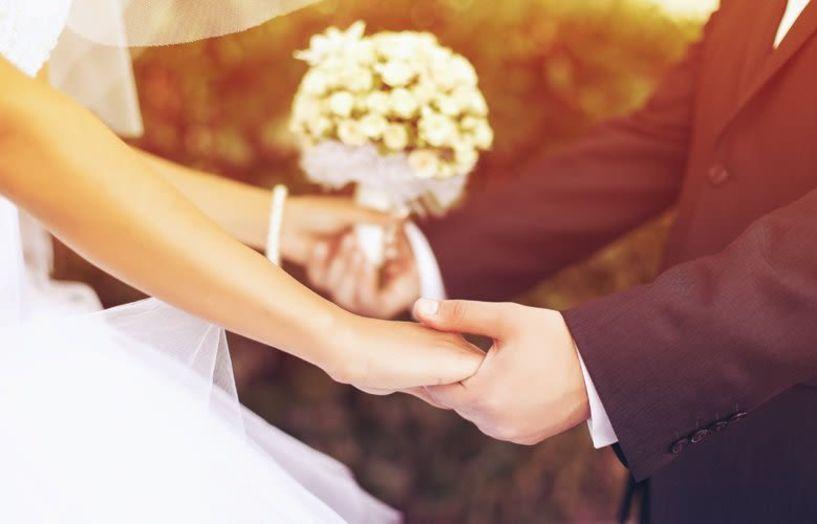 Το ραντεβού στα τυφλά που οδήγησε σε έναν γάμο και μια εταιρία εκατομμυρίων