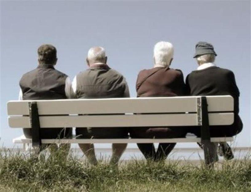 SOS! Ο πληθυσμός της χώρας μειώνεται και γερνάει…