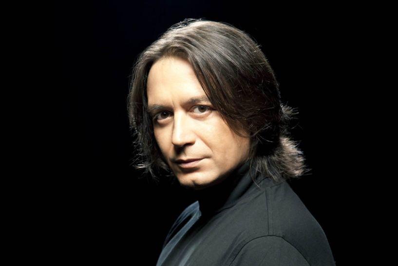 Ο Γιάννης Κότσιρας αύριο στο Χώρο Τεχνών με αγαπημένα του τραγούδια και «ανείπωτα»
