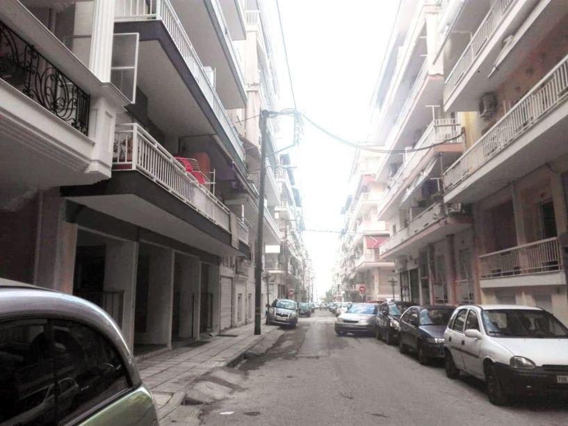 Θανατηφόρα πτώση 23χρονου από τον 3ο όροφο στο κέντρο της Βέροιας