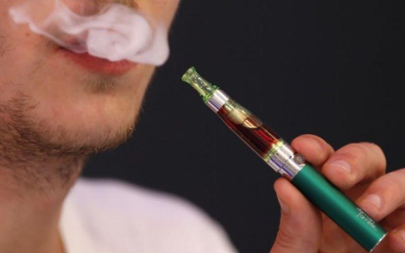O πρώτος θάνατος που συνδέεται με ηλεκτρονικό τσιγάρο, είναι επίσημος