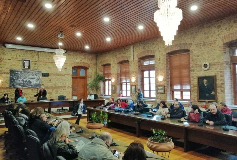 Θεσσαλονικείς υπάλληλοι της Εθνικής Τράπεζας ξεναγήθηκαν στα μνημεία της Βέροιας