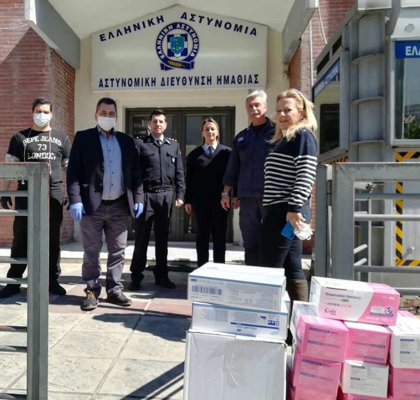 Μάσκες, γάντια και είδη υγιεινής παρέδωσε ο Κ. Καλαϊτζίδης  σε Νοσοκομείο, Αστυνομία και Πυροσβεστική της Ημαθίας  σε υλοποίηση πρωτοβουλίας του Απόστολου Τζιτζικώστα