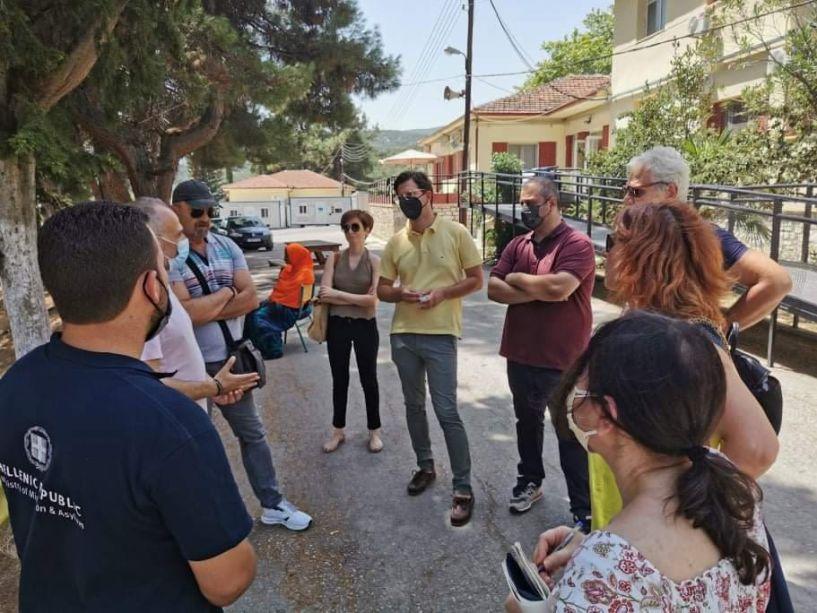 Ο Άγγελος Τόλκας και αντιπροσωπεία του ΣΥΡΙΖΑ Ημαθίας στην  προσφυγική δομή της Αγίας Βαρβάρας